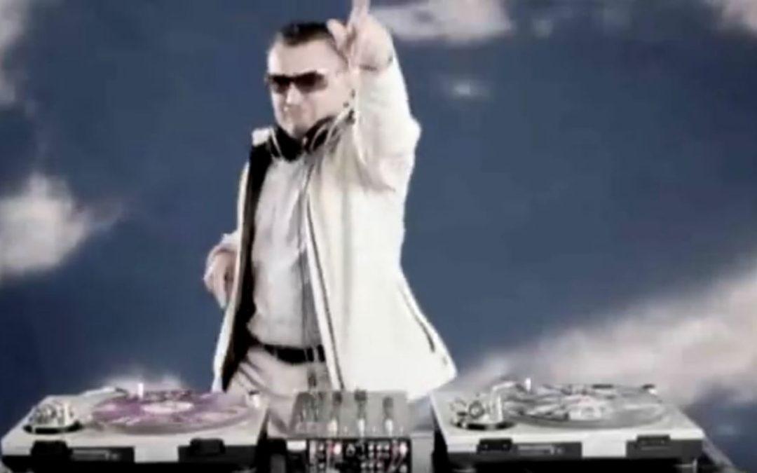 DJ Dady & skupina VICTORY v video spotu Upaj si