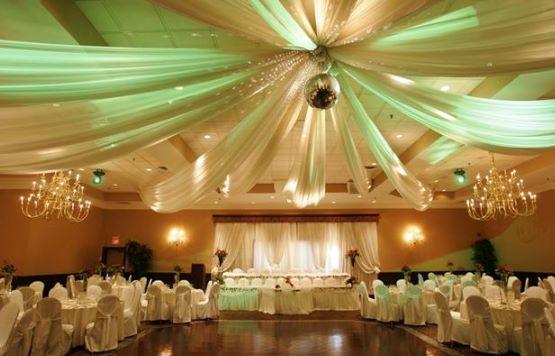 Poročna dekoracija z bež barvo